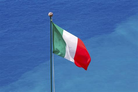 italy flag colors italian flag colors here is an explanation of what they