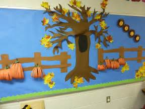 Preschool Fall Bulletin Board Idea
