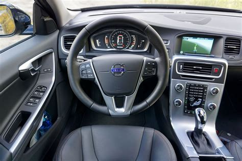 volvo  cross country  drive price