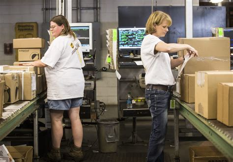 ups adding  jobs  rockford parcel sorting hub news