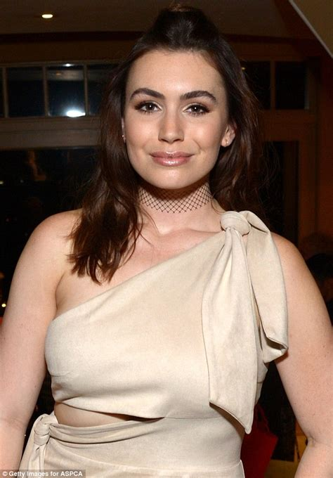 Sophie Simmons Showcases Her Knockout Body In One Shoulder