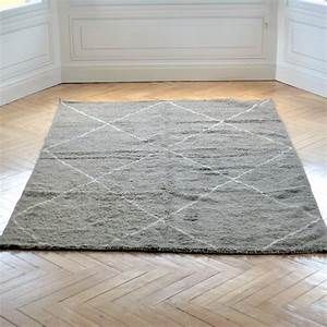 grand tapis beni ouarain gris taupe a losanges ecrus With grand tapis gris