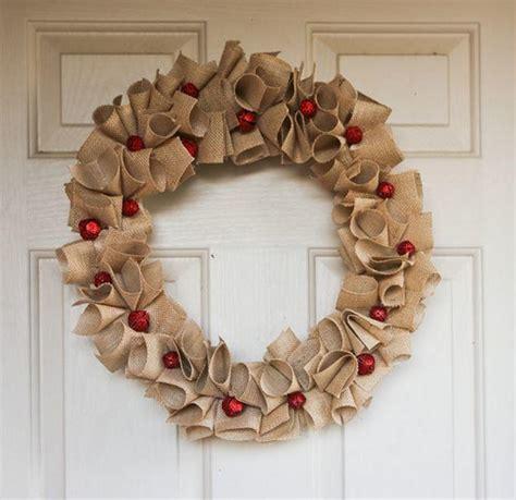diy christmas wreaths  charming burlap wreaths