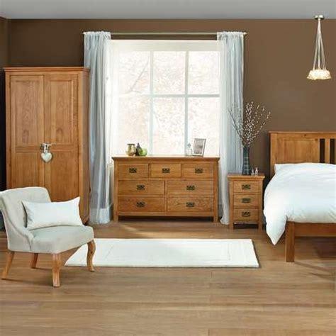 Bedroom Design Ideas With Oak Furniture by 17 Best Ideas About Oak Bedroom On Oak Trim