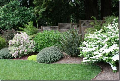 landscaping barriers top 28 landscape barriers landscape grass barriers the garden s edge decorative huge