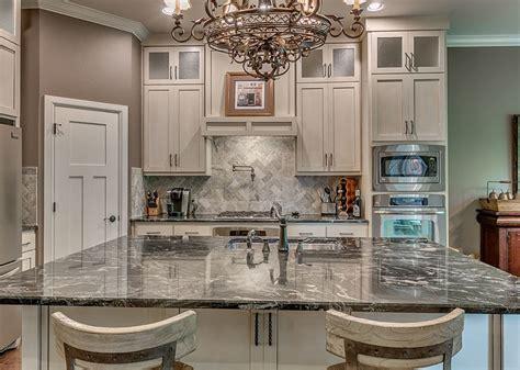 Herringbone Backsplash Tile : Kitchen Backsplash Designs (picture Gallery)