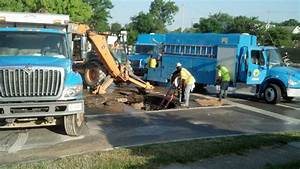 Crews work to repair water main in central Toledo - The Blade