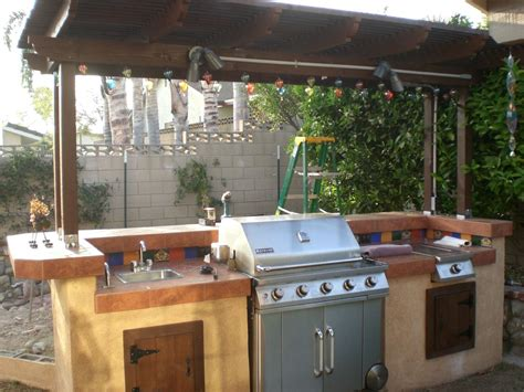 Backyard Bbq Bar Designs by Build A Backyard Barbecue