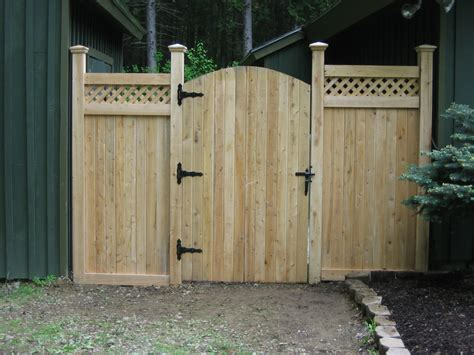 Wooden Fences With Metal Gate