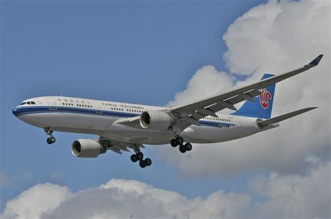 File:China Southern Airlines Airbus A330-200; B-6515@LHR;13.05.2013 708fa (8742378268).jpg ...