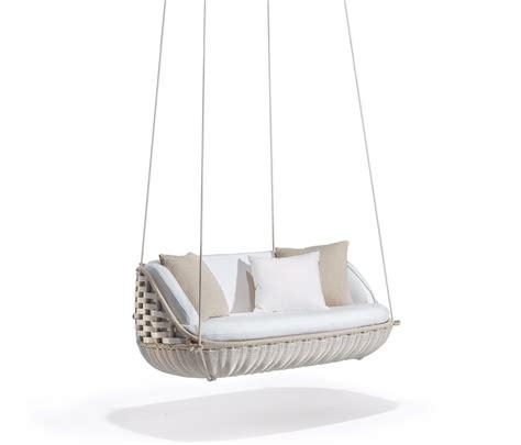 dedon swing swingus 2 seater swings from dedon architonic