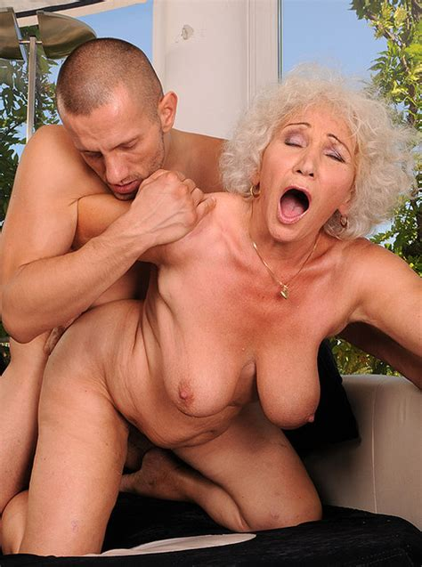 Old Woman Sucking Young Cock