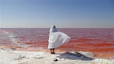 Iran, thatësira kërcënon liqenin e kripur Urmia   Bota Sot ...