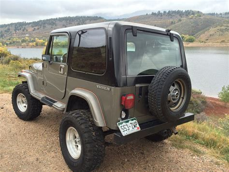 1990 Jeep Wrangler Sahara Sport Utility 2-door 4.2l