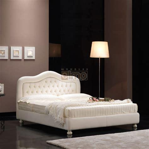 tete de lit chambre adulte lit adulte contemporain tête de lit chapeau de gendarme