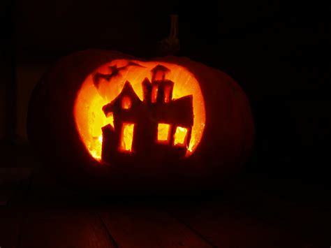 easy scary o lantern file pumpkin craft for halloween jpg wikimedia commons