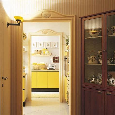 encadrement de porte orac decor d62 luxxus habillage de porte el 233 ment d 233 coratif ornement