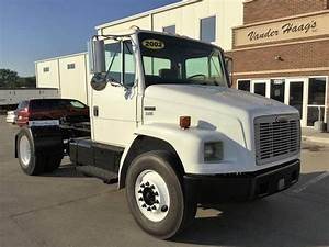 2002 Freightliner Fl70 Day Cab Truck For Sale