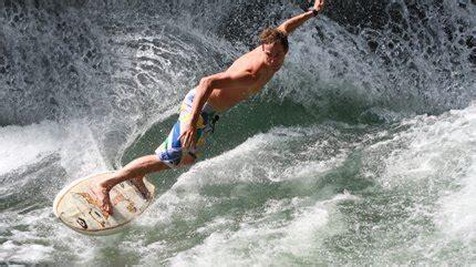 englischer garten münchen surfing wasser und mut mucbook