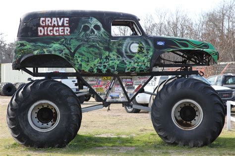 how many monster trucks are there in monster jam the story behind grave digger the monster truck everybody