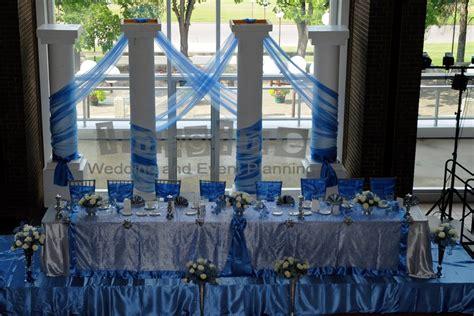 cornflower blue wedding centerpieces the couple also had