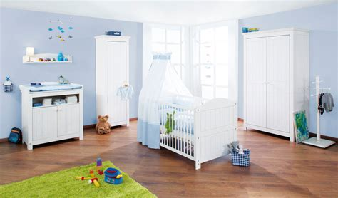 chambre bébé 2 ans cuisine lit pour b 195 169 b 195 169 gar 195 167 on bc avec grands coffres