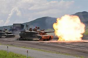 Japanese (JGSDF) Type 10 Main Battle Tank (MBT) in Action ...