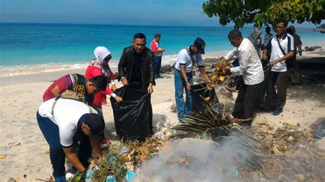 pentingnya menjaga kelestarian lingkungan pantai