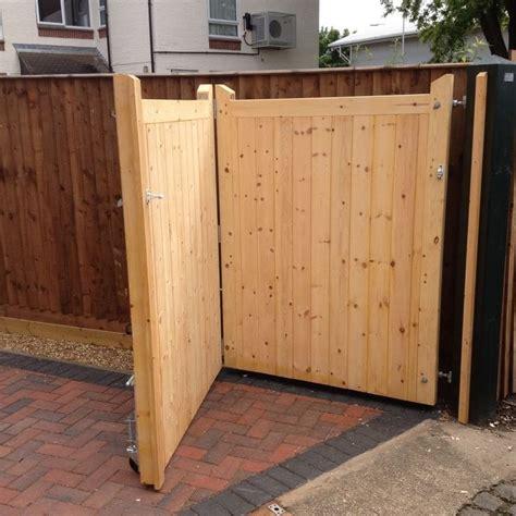 wooden gate  front   door house