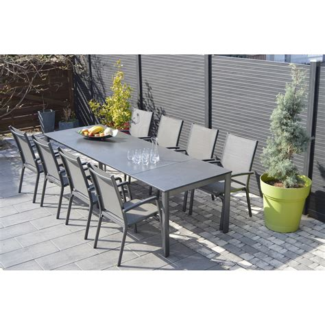 table avec chaises awesome table de jardin aluminium et chaise photos