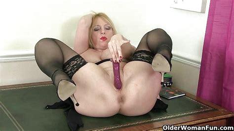 British Milf Red Works Her Sweet Matured Pussy Porntube