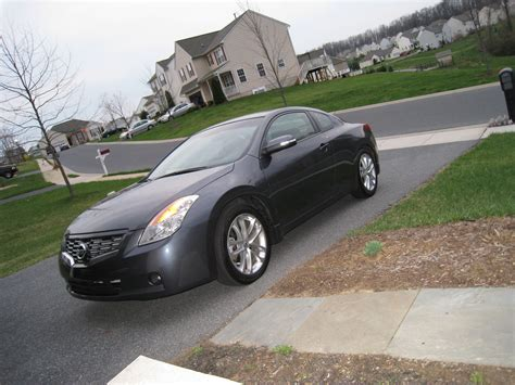 2009 Nissan Altima Coupe 3.5 Se Review