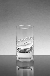 Schnapsglas Mit Gravur : ein schnapsglas mit der gravur von einem tribal motiv gravurwelt24 ~ Markanthonyermac.com Haus und Dekorationen