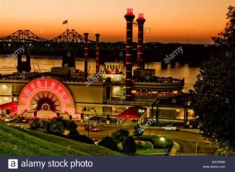 Riverboat Casino Vicksburg Ms by Mississippi River Bridge Vicksburg Ms Stock Photos