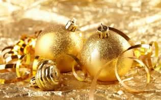 golden christmas ornaments christmas wallpaper 22229805 fanpop