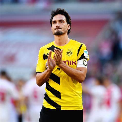 Matchday magazine with mats hummels. Borussia Dortmund Mats Hummels Champions League happy ...