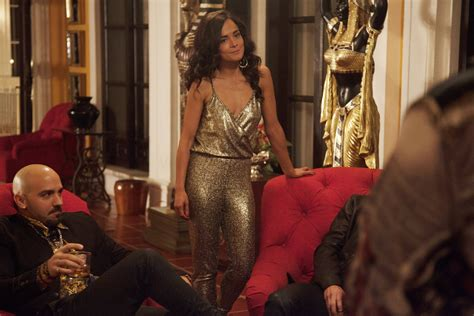 'Queen of the South' Review: USA Drama Can't Match 'Mr ...