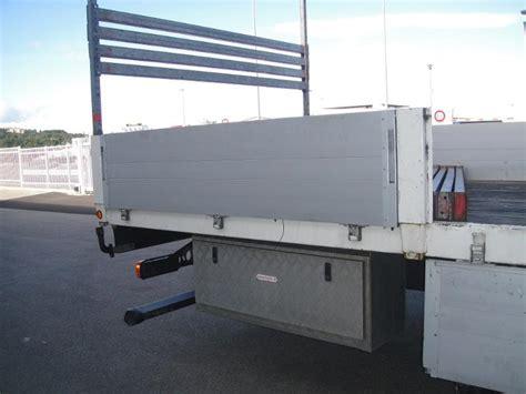 coffre sous chassis pour plateau de remorque ou de camion