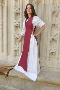 vetement moyen age surcot tiphaine boutique medievale With robe moyen age femme