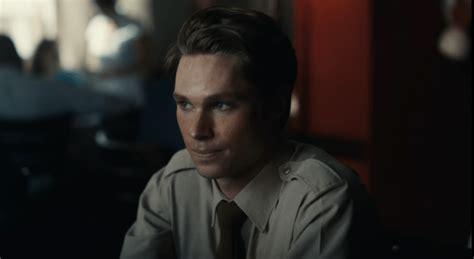 MOFFIE - Official South African Trailer 1-17 screenshot