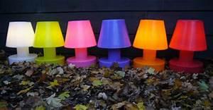 Lampe De Table Rechargeable : lampe sans fil rechargeable h 28 cm blanc bloom made in design ~ Teatrodelosmanantiales.com Idées de Décoration