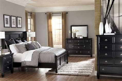 Bedroom Decorating Ideas Black Furniture by Best 25 Cozy Bedroom Ideas On