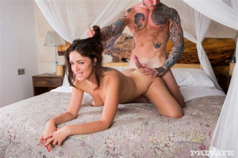 British babe gets fucked from behind - Web Porn Blog