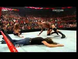 Randy Orton wykonuje DDT na Stephanie Mcmahon - YouTube