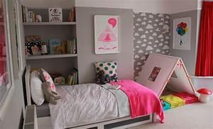 Neon Deco Chambre : deco pink neon une chambre de fille en rose fluo chiara stella home ~ Teatrodelosmanantiales.com Idées de Décoration