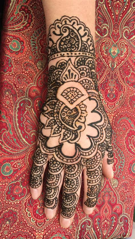 tat   lelas hair salon henna designs