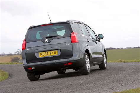 Peugeot 5008 Estate Review (2010