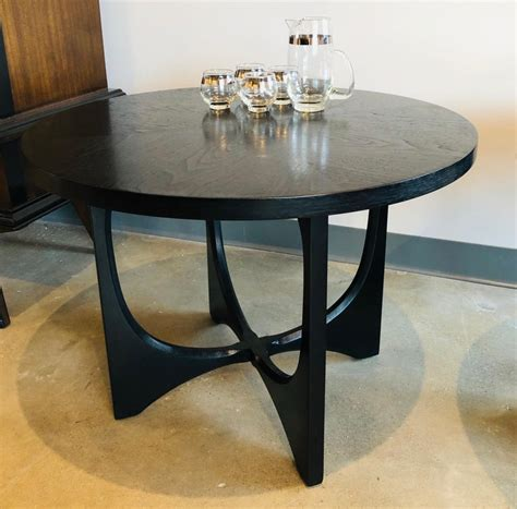 Find out the detailed collection here. Two Mid-Century Modern Broyhill Brasilia Wood Side or Coffee Tables For Sale at 1stdibs