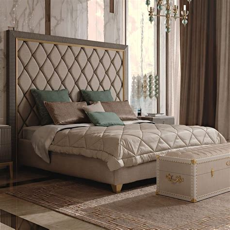 Luxury Bedroom Designs Uk by Best 25 Headboard Ideas On Quilted