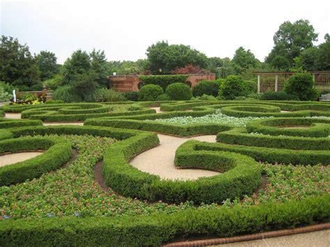 Formal Garden : Basic Design Principles And Styles For Garden Beds